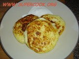 Russian Syrniki (cottage cheese small pancakes)