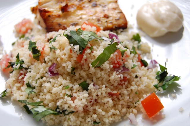 Салат с кус кусом помидором кинзой